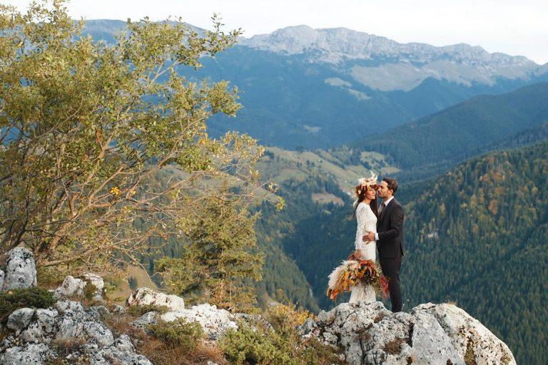 hike-Elopement-Romania-mountains