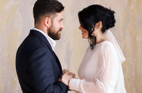 ghid-pentru-alegerea-fotografului-si-videografului-de-nunta